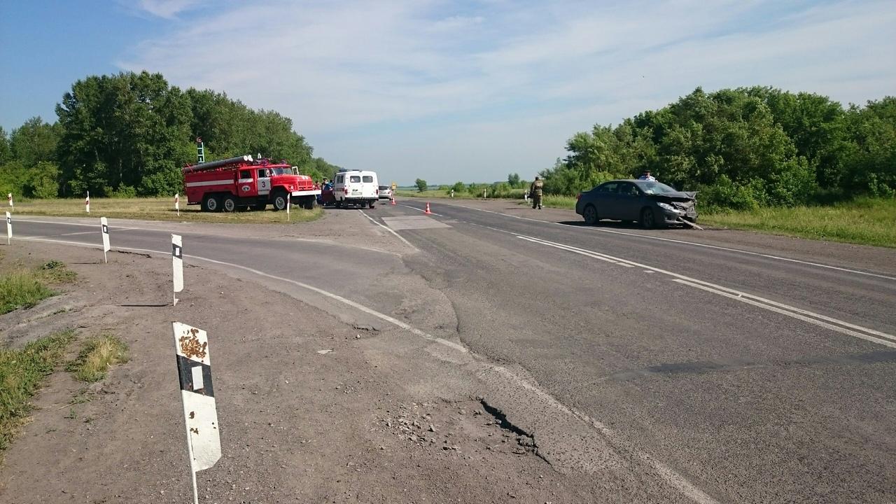 oRQECFVNg3Q - ДТП Старая трасса...перед поворотом на Бабанаково 2 пострадавших