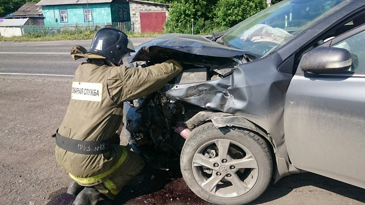 X5hPn1DL47g - ДТП Старая трасса...перед поворотом на Бабанаково 2 пострадавших