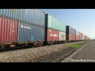 Грузовые перевозки в Индии. 45 платформ, по три контейнера на каждой..mp4