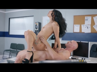 Brazzers.com] gina valentina (traffic violation / 22.06.2018) [2018 г., black hair,latina,natural tits,petite,piercing,tattoo,tr