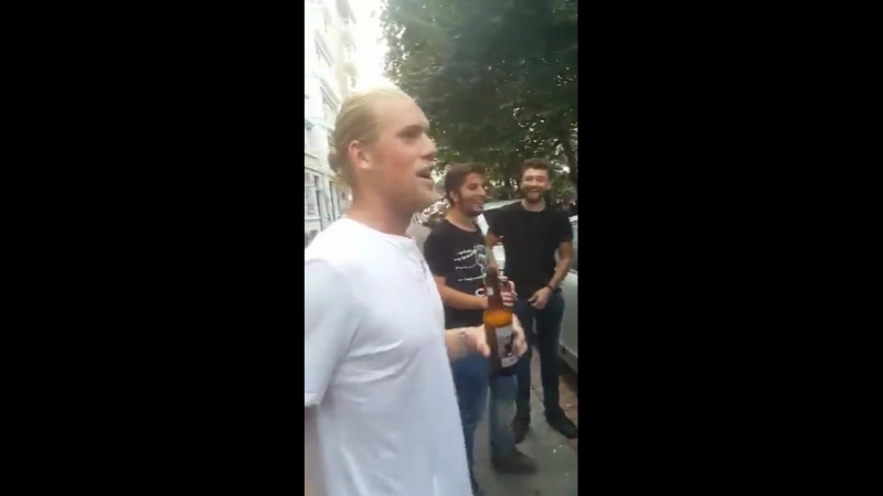Фанаты «Бешикташа» поймали клона Лориса Кариуса и заставили его унизить «Фенербахче»