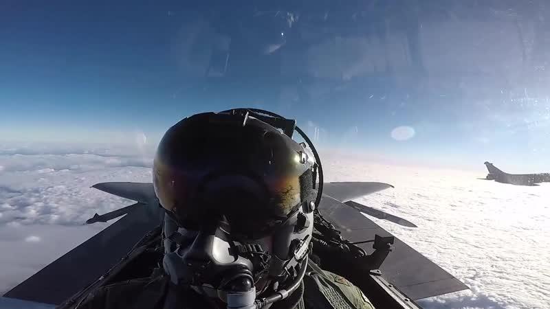 Кадры из кабины F-15E 494-й истребительной эскадрильи во время тренировки 27.11.2018