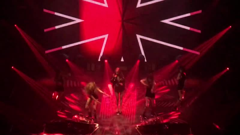The Queens back intro Roll Deep (Hyunas LA tour 2017)
