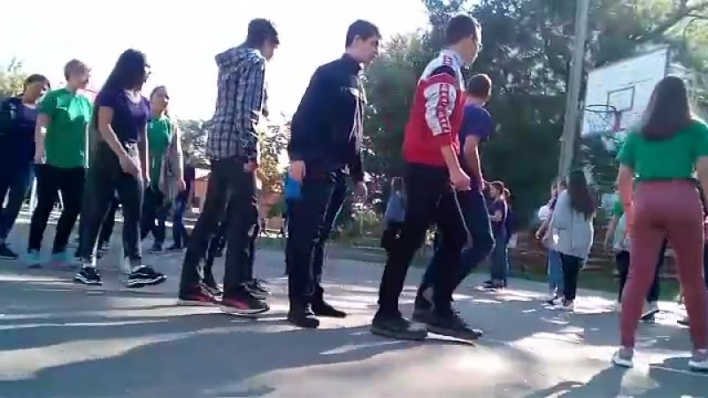 ебаные оккультники танцуют ритуальный танец под вебпанк 2007