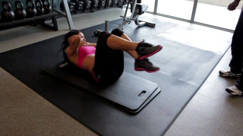 Workout With Rosa Acosta: Abs (Part 3)