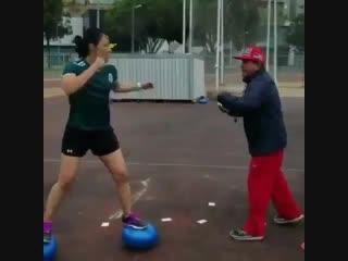 Боксерская тренировка на точность и координацию.