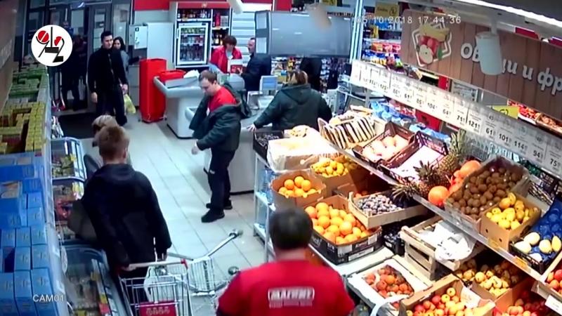 [Новости Шеремета Девять с половиной] Бухой единоборец швыряет телегу в супермаркете. Real video
