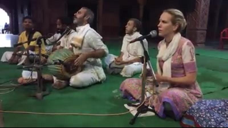 Kishori Mohan Prabhu and Sudevi Devi dasi