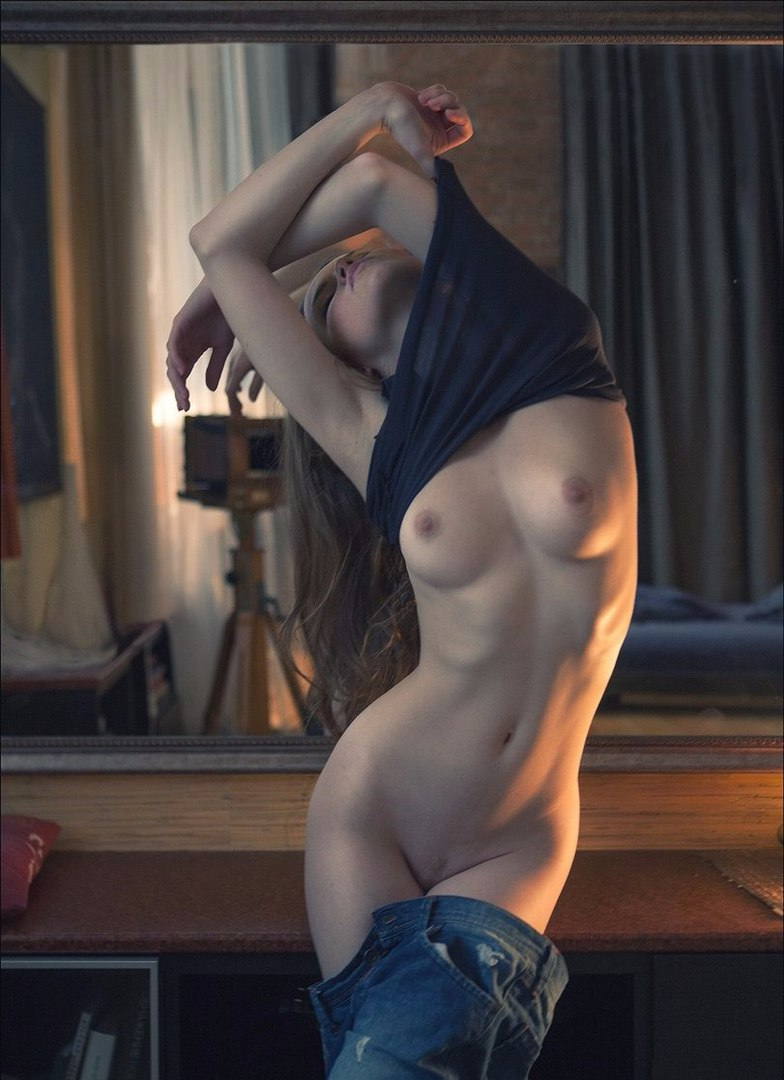 Amateur girlfriend anal threesome with cum brush