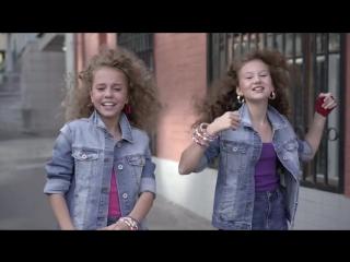 Ангелина Титова и Дарья Власюк (11 лет) - Сover Stayin alive (Bee Gees) - www.ecoleart.ru