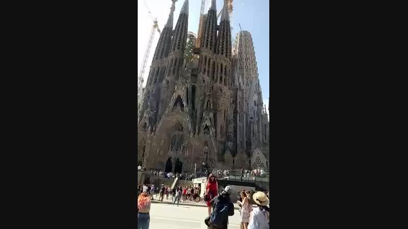 Іспанія. Барселона. Базиліка Саграда Фамілія. Архітектурний шедевр Антоніо Гауді.