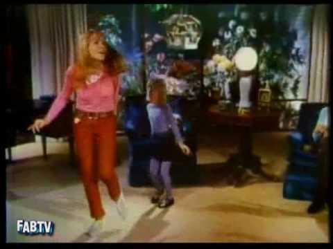 Groovy 60s TV Ad ◊ 1966