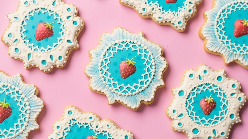 Strawberry and Lace Cookies! Collab with HANIELA'S