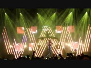 Alan Walker feat. Julie Bergan - I Don't Wanna Go (Live at Different World Tour)