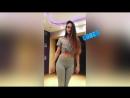 Школьница в обтягивающих лосинах и джинсах в перископе на вебку показывает попу танцует тверк