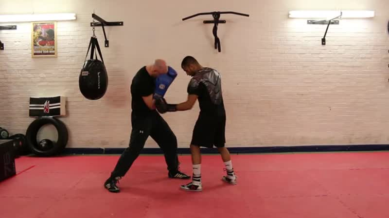 The Art of Tucking in Boxing Tutorial