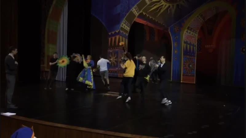 Репетиция в Челябинском драм театре. Мюзикл Аленький цветочек, музыка Андрея Федоськина