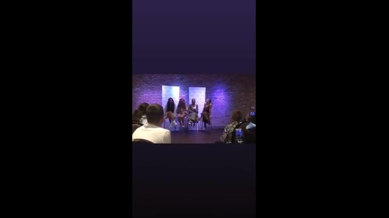 Little Mix hoy cantando Shout Out To My Ex en un evento privado en Londres️ @LittleMix