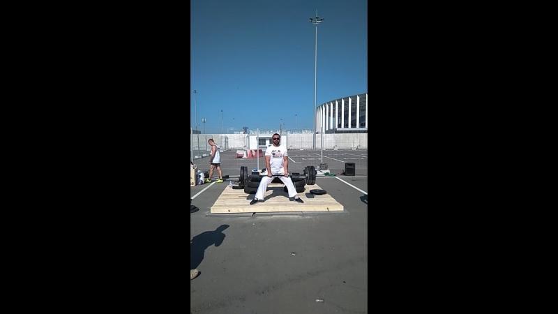 Нил Бурлацкий поднимает штангу на ПрокачайСебя2018