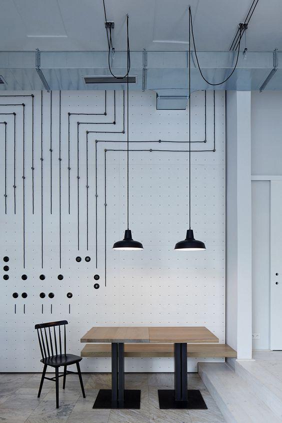 Как красиво и оригинально оформить проводами в интерьере.