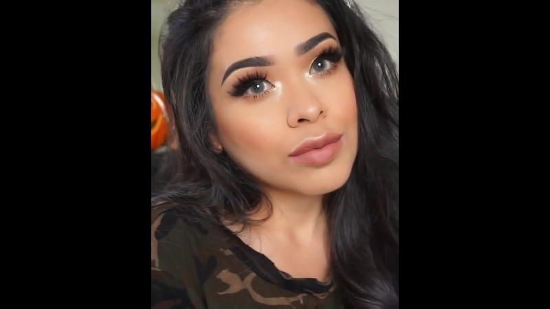 Оцените макияж девушки красиво накрасилась