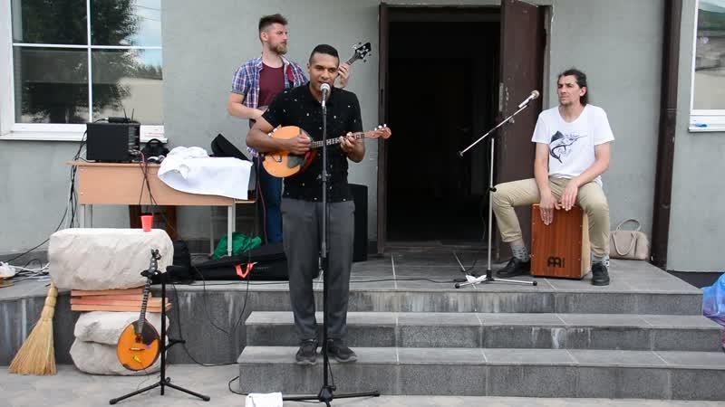 Андрусь Такінданг і гурт Рэха ў Віцебску.