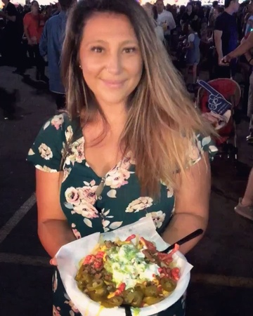 "Karen Garcia on Instagram: ""Hot Cheetos Asada fries ❤️❤️ and I complain how I don't lose weight 😂"""