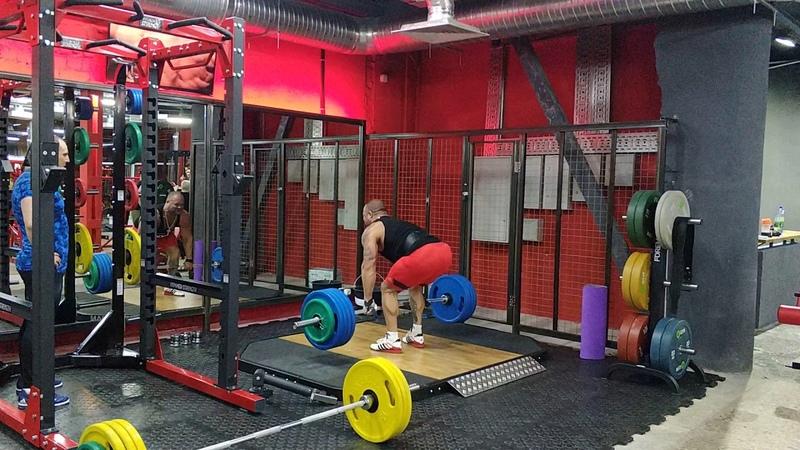 Становая тяга 200 кг на 10 раз. Deadlift clean grip 200 kg × 10 reps.