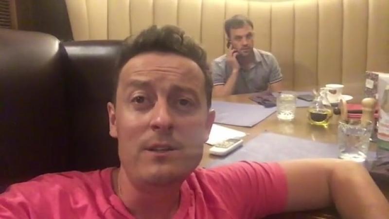 Стас Ярушин мешает говорить по телефону