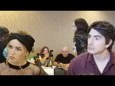 [SDCC 2018] DC's Legends of Tomorrow Press Room Caity Lotz Brandon Routh