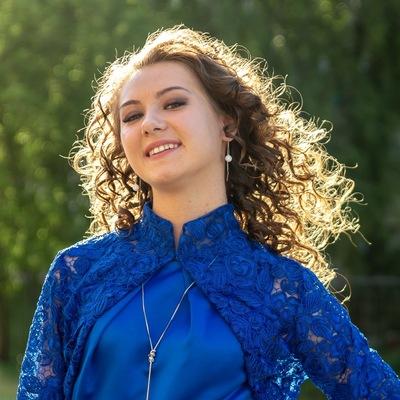 Настя Лазарева