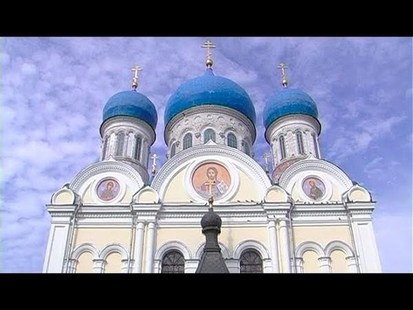 Епископ Серпуховской Роман возглавил торжественное богослужение в Никольском храме