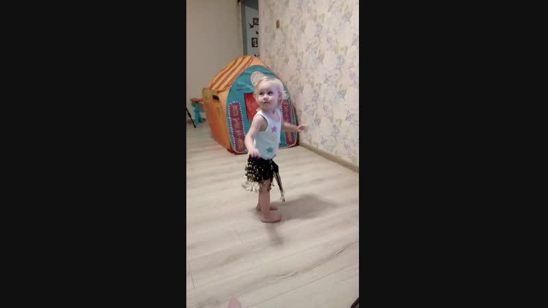 София танец живота 1 год 11 месяцев