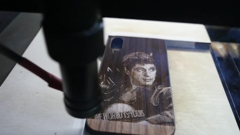 CreecCase Чехол из дерева с лазерной гравировкой и ручной росписью Аль Пачино