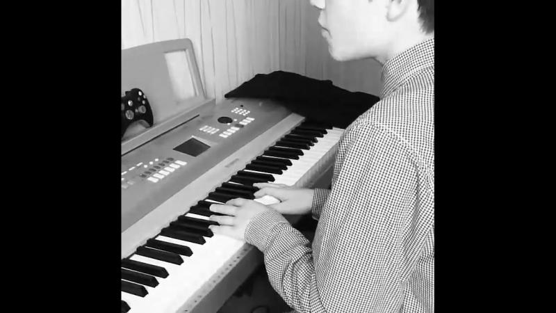Давно просил Егора исполнить мне эту песню. Слова написала его подруга, а музыку он сам. 😍🎼🎶🎹 @klinaev_egor @maximtemny egork