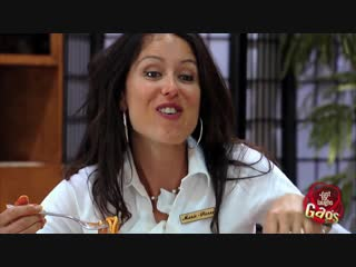 32 Sexy Girl Eating Like a Pig Prank (HD Секси Клип Новые Фильмы Сериалы Кино arthdcinema.it Эротика Секс Девушки Юмор Прикол Ро