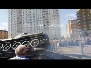 Видео падения танка Т-34 на проспекте Победы.