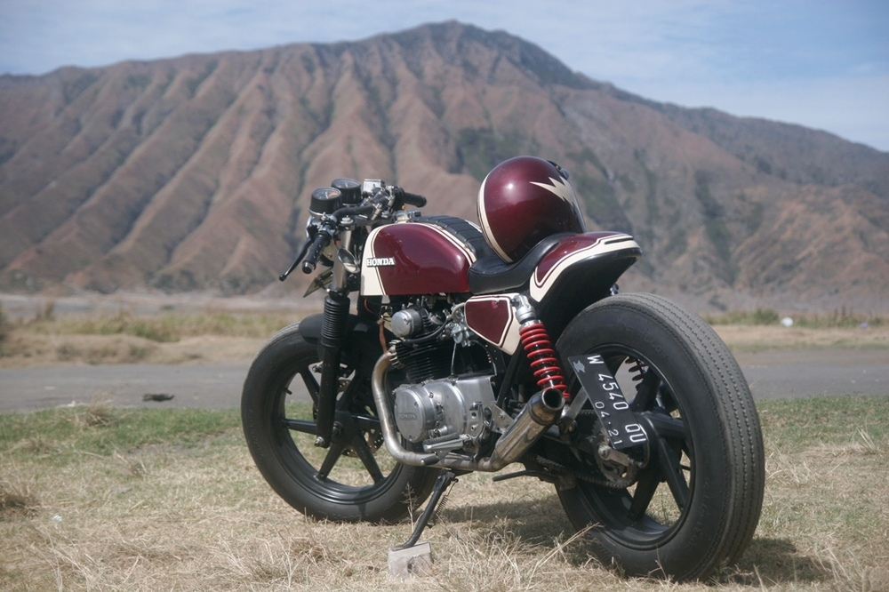 Кафе рейсер Honda CB175
