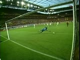 Евро-2004. Нуну Гомеш (Португалия) - мяч в ворота Испании