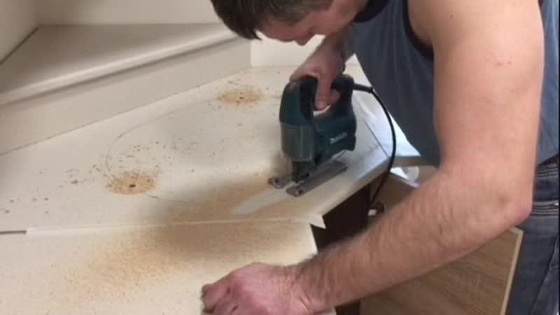 Врезка кухонной мойки