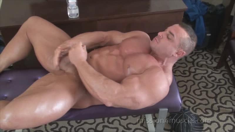 Качки видео мастурбируют #9