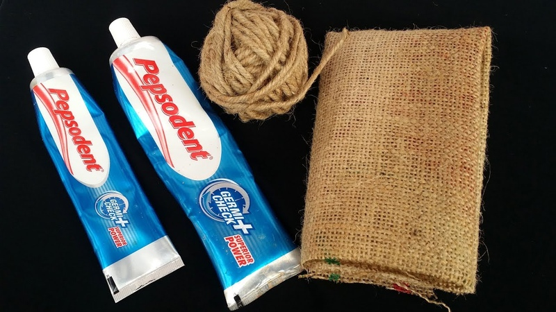 DIY:Wall Hanging Idea How to Make Beautiful Wall Hanging With Pepsodent / Twine and Jute Bag