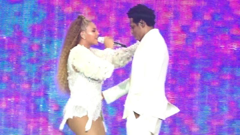 Beyoncé JAY-Z - OTR II - Holy GrailPart II 03 Bonny Clyde - Met Life Stadium NJ