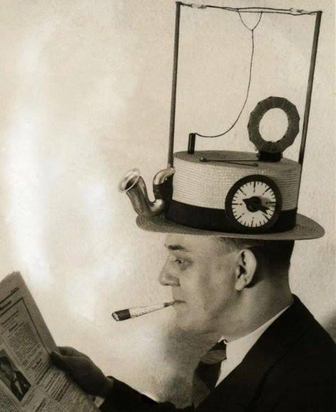 Радиошляпа — сувенирный ламповый радиоприёмник прямого усиления, выполненный в виде шляпы. Более поздний вариант был выпущен в США Merri-Lei Corporation в начале 1949 года и продавался за 7,95