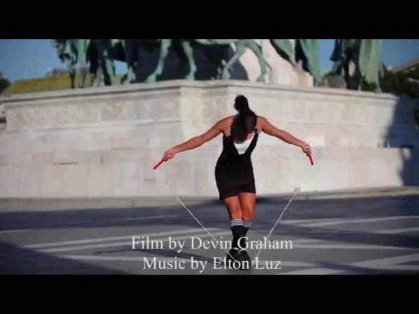Девушка со скакалкой, лучшие трюки в мире
