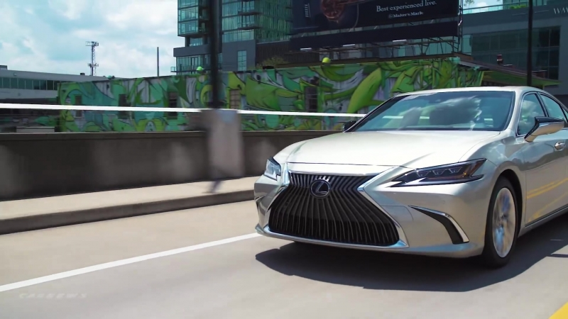 2019 Lexus ES 300h - Interior Exterior and Drive