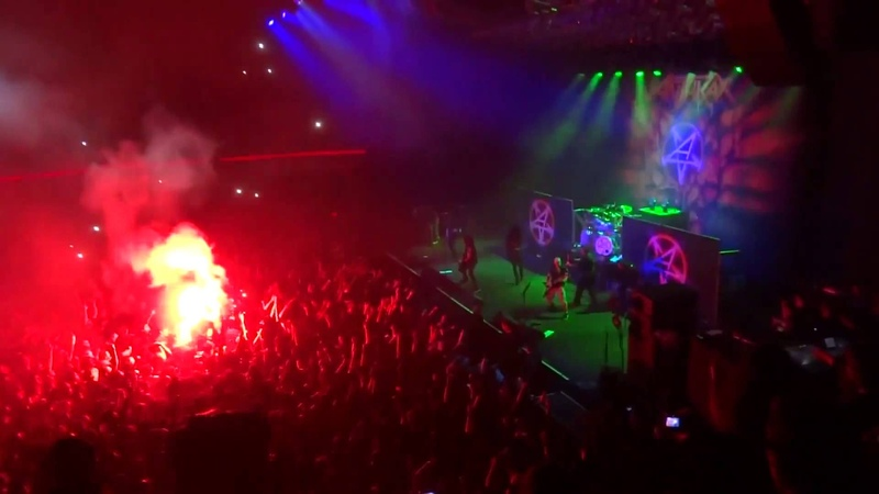 Anthrax - Among the Living [Chile 2013] Multicam Best Crowd Ever!