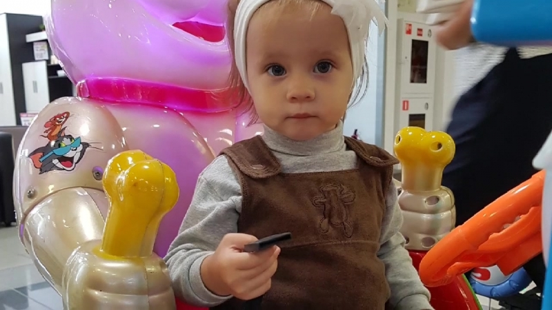Впечатляющая история о крошечной малютке.mp4