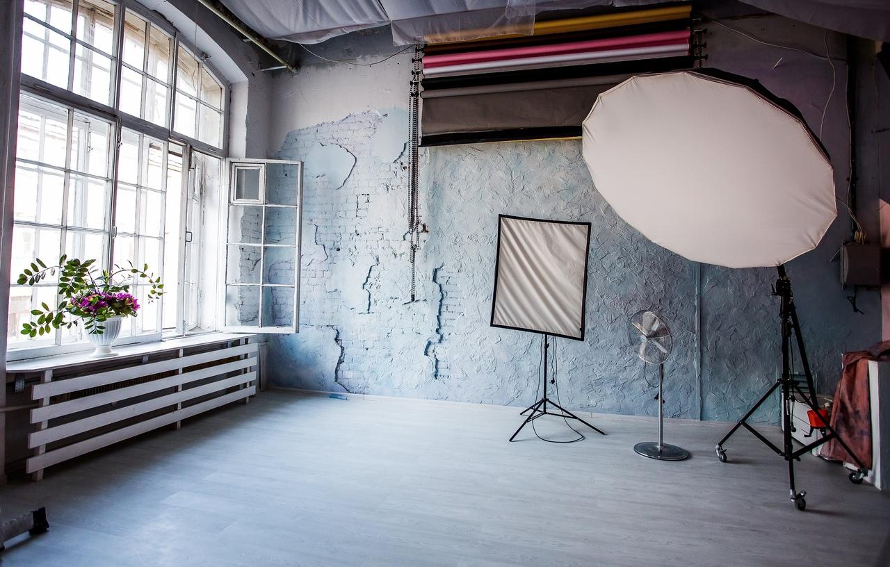 снять студию для фотосессии в юзао нужно подавать стол