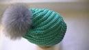 Вяжем шапку узором по диагонали спицами.